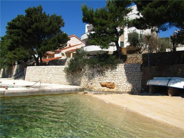 Apartment for 4 persons near the beach in Pag - Image 1 - Stara Novalja - rentals