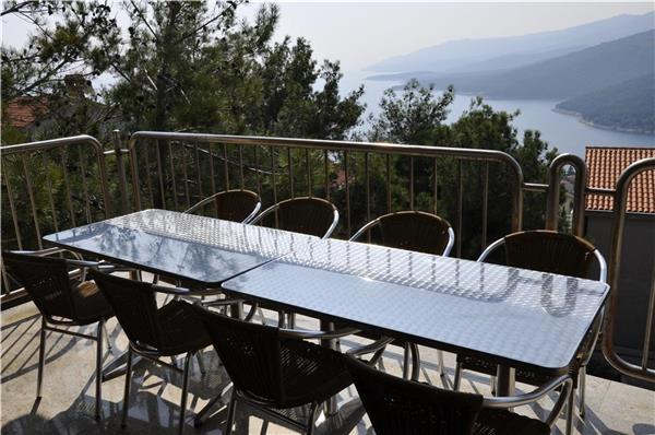 Renovated apartment for 10 persons in Rabac - Image 1 - Rabac - rentals