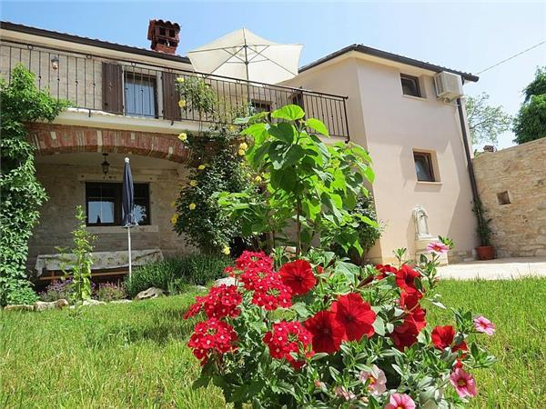 Attractive holiday house for 6 persons in Porec - Image 1 - Porec - rentals