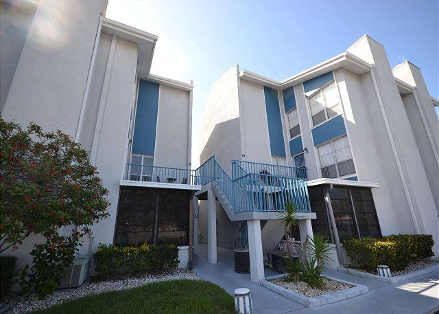 Madeira Beach Yacht Club 175F - Very Nice Townhouse in gated community! - Image 1 - Madeira Beach - rentals