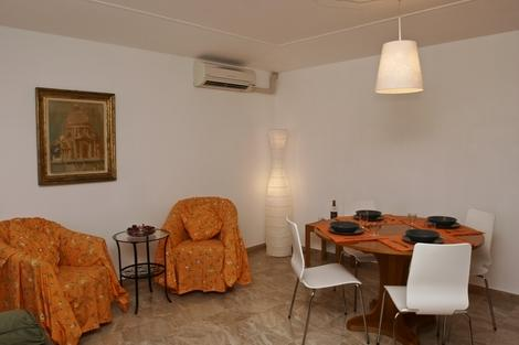 ID 1730 Airy and sunny 2 br apartment in Venice - Image 1 - Venice - rentals
