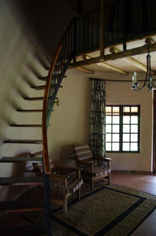 Family Lodge with Mezzanine Floor - GRANITE Park LODGES Self catering accommodation. - Bulawayo - rentals