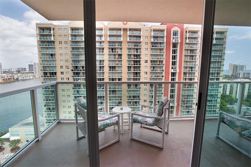 Beautiful 2 bedroom with ocean view NO Car needed - Image 1 - Sunny Isles Beach - rentals