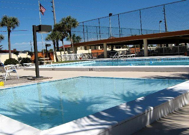Extra Large Patio & Gulf Front. Two Bedroom, Two Full Bath - Image 1 - Fort Walton Beach - rentals