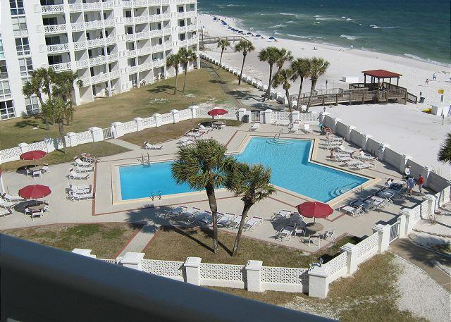 Gulf Front One Bedroom - Sleeps Four and Right on the Beach - Image 1 - Fort Walton Beach - rentals