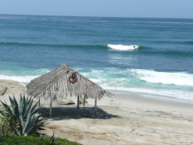 Walk to Windansea Beach - just a few blocks - Beach Chic- Windansea Beach / Village of La Jolla - La Jolla - rentals
