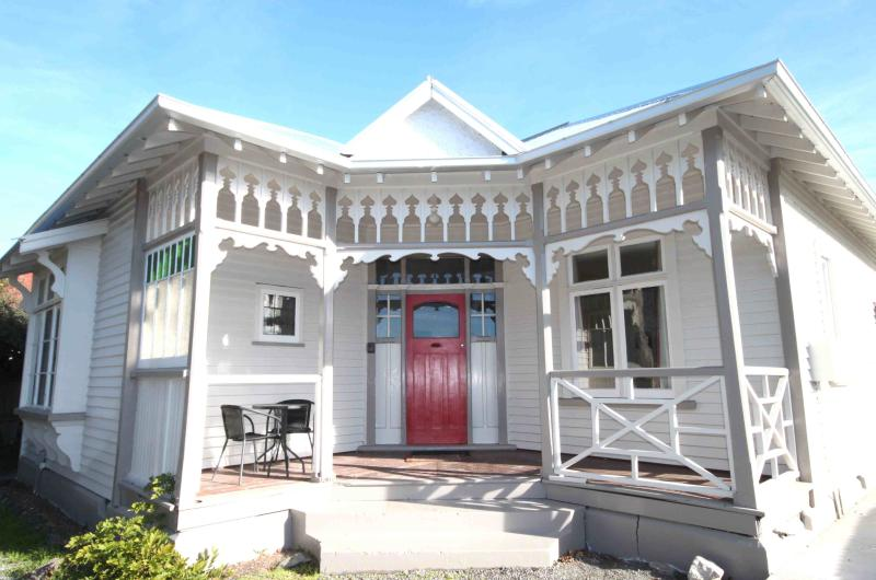 Clarence House - Image 1 - Christchurch - rentals