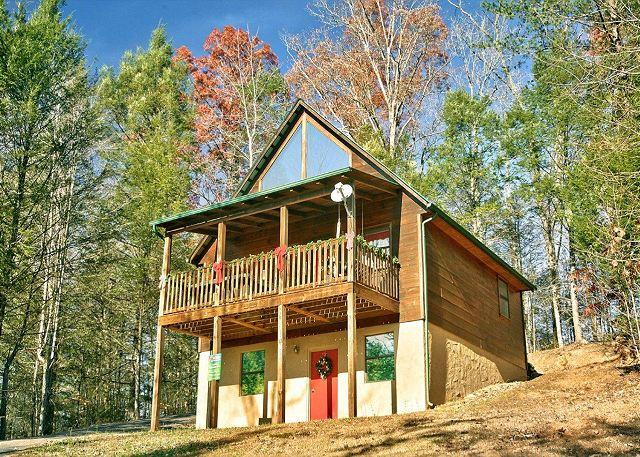 Always Misbehavin' #1412- View of the Cabin - Secluded 1 Bedroom Cabin Close to the Arts and Crafts Community in Gatlinburg - Gatlinburg - rentals