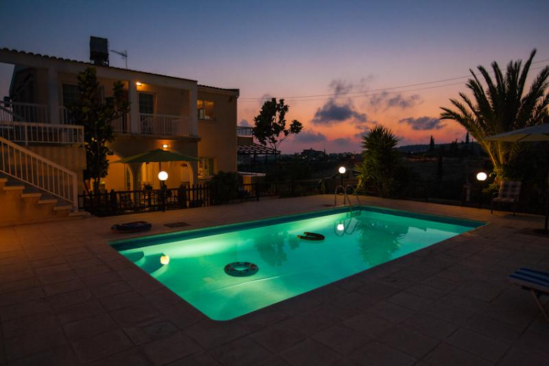 One of the most beautiful time , almost night time in our villa ! - Villa sea shells - Coral Bay - rentals