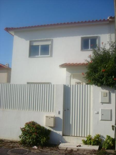 House from outside - Right by the sea... - Ericeira - rentals
