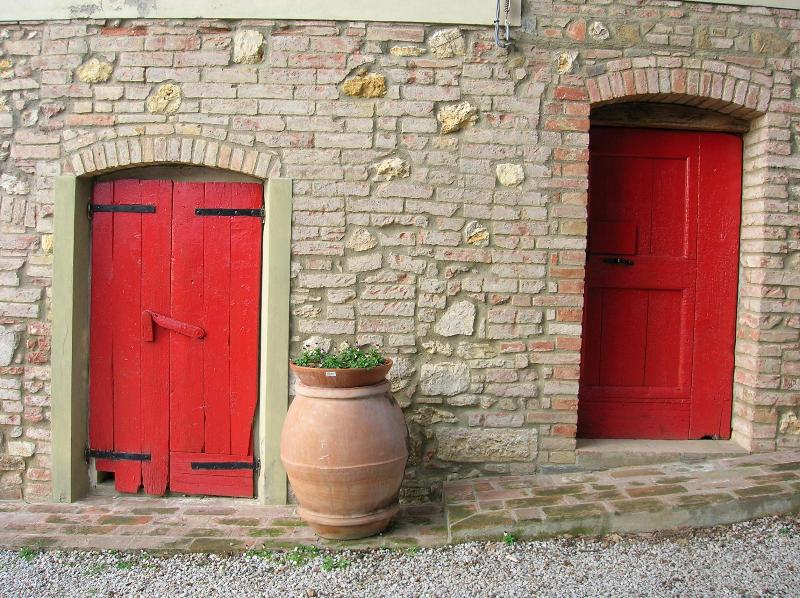 Red doors cellar - Family run agritourism surrounded by greenery - Montaione - rentals
