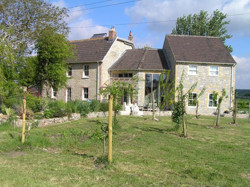 House from field - Large rural family house - own tennis court & views - Somerset - rentals