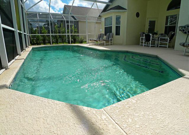 Layzee Days (Layzee142s) - Spacious pool deck and Games Room in Tivoli Manor - Image 1 - Davenport - rentals