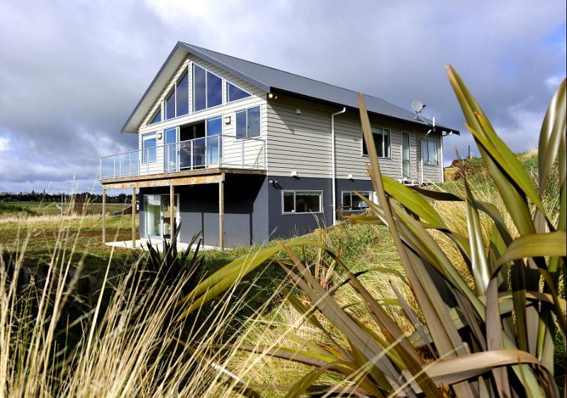 Exterior - Kowhai Lodge - Ohakune Modern Holiday Home - Woodston - rentals