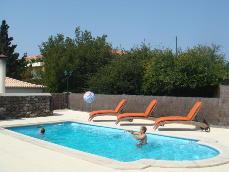 Pool: 8x4 metres, fenced for children's security - Heated pool, jacuzzi,games room, BBQ,sunny gardens - Ponta Do Sol - rentals