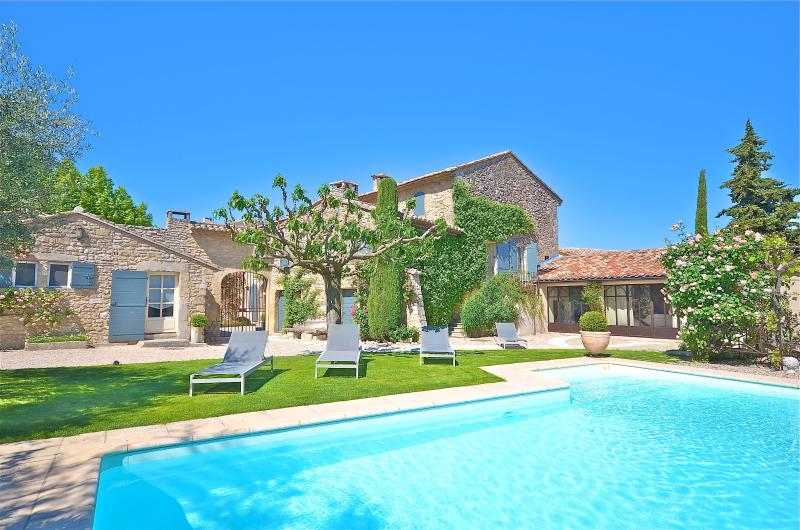 St Roch's farmhouse - St Roch's Farmhouse: Luxury holiday home with heated pool in the heart of Provence - Luberon - rentals