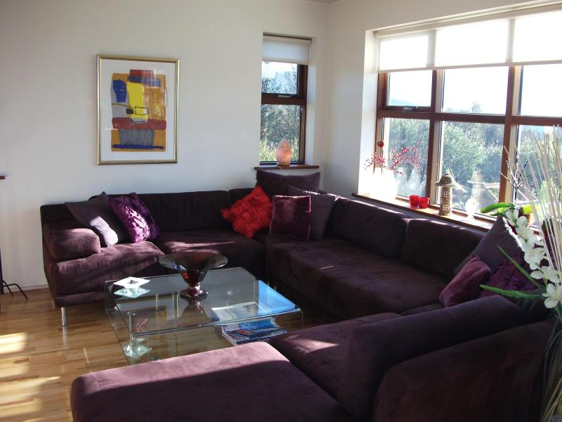 Living room ..good space - Family home by the Golden Circle in Iceland - Laugarvatn - rentals