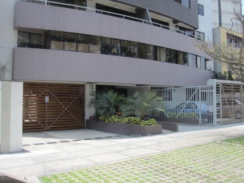 Miraflores New and Comfortable - Great Deal! - Image 1 - Miraflores - rentals
