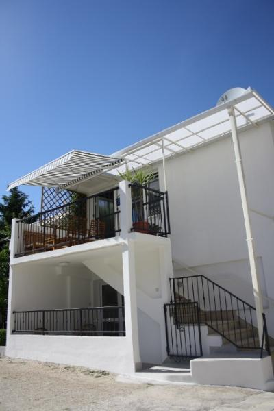 Charming suite nearby the beach and center - Image 1 - Trogir - rentals