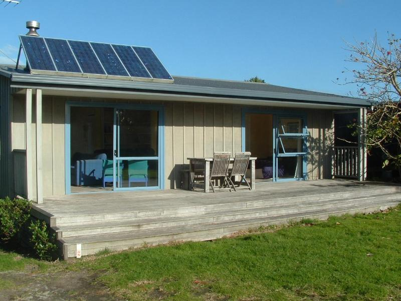 Barrier Bungalow - Image 1 - Great Barrier Island - rentals