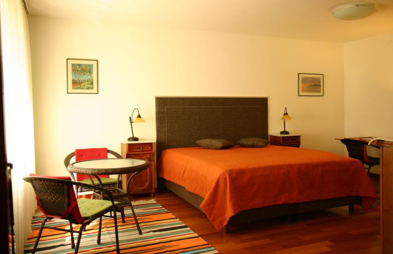 Bedroom by day - TAI.FUN - All You Need is Home! - Zagreb - rentals