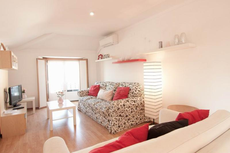 Spacious living room with truly magnificent views - Alfama River I - Lisbon - rentals