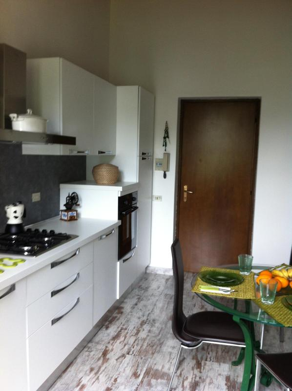 Kitchen and dining room - Sunny apartment between montains and rivers - Clusone - rentals