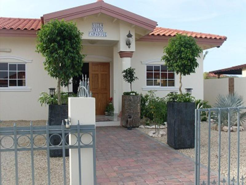 with beautiful garden at private lots - Swiss Paradise Villas & suites -  wedding and groups up to 60 guests - Noord - rentals