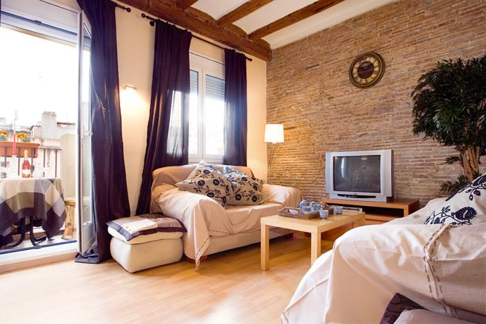 BORN SANTA MARIA 02: 3 Bedrooms 1 Bathroom - Image 1 - Barcelona - rentals