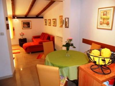 Apartment in Dubrovnik with terrace and garden - Image 1 - Dubrovnik - rentals