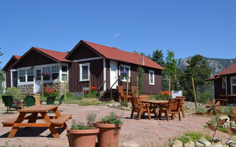 Diamond Cottage is on the left - Diamond Cottage.. room for 8! - Estes Park - rentals