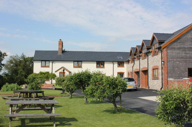 Long Mountain Bed and Breakfast from the drive - Long Mountain Bed and Breakfast, Welshpool, Powys - Welshpool - rentals