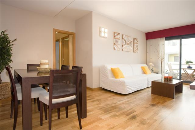 FLAVOURED BEACH APARTMENT, LARGE AND CLOSE TO THE BEACH - Image 1 - Empuriabrava - rentals
