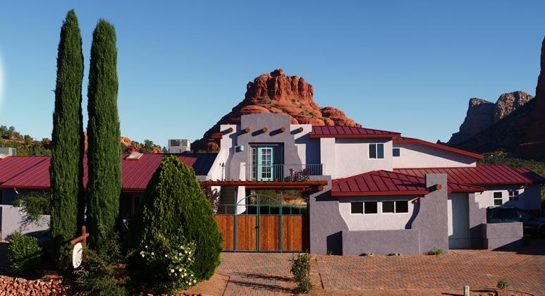 Cozy Cactus B&B, with Bell Rock as the backyard - Cozy Cactus Bed & Breakfast 7 Bedroom / 7 Bath - Sedona - rentals