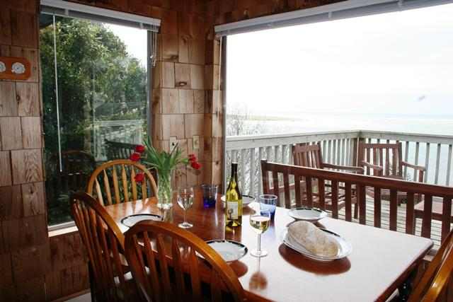 Dining with a Pacific View - Spectacular Views of the Pacific Ocean at the Blue Rose Cottage - Netarts - rentals