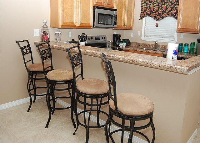 Breakfast Bar - Beautiful 2 Bedroom / 2 Bathroom Condo Overlooking the Gulf BC-103 - Long Beach - rentals