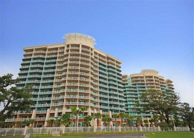 Legacy Towers - Beautiful 2 Bedroom / 2 Bathroom Condo Overlooking the Gulf LT2-1303 - Gulfport - rentals