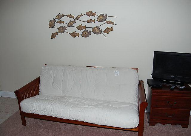 Studio with Futon and Flat Screen TV - Beautiful 2nd Floor Studio Just a Short Walk to the Beach OS-36 - Biloxi - rentals