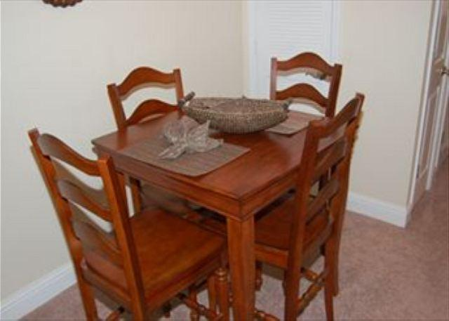 Dining Room - Beautiful 1 Bd / 1 Bth 2nd Floor Condo Just a Short Walk to the Beach OS-77 - Biloxi - rentals