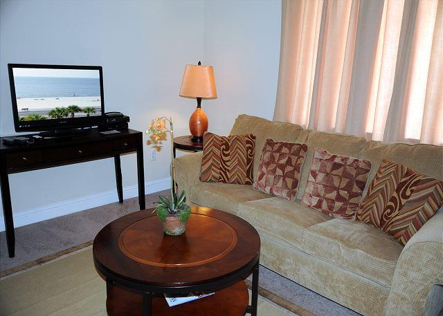 Living Room - Beautiful 1 Bd/ 1 Bth 1st Floor Condo Just a Short Walk to the Beach OS-110 - Biloxi - rentals