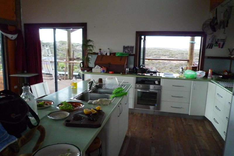 """fully self contained kitchen - """"Surfers Beach"""" House - Streaky Bay - rentals"""