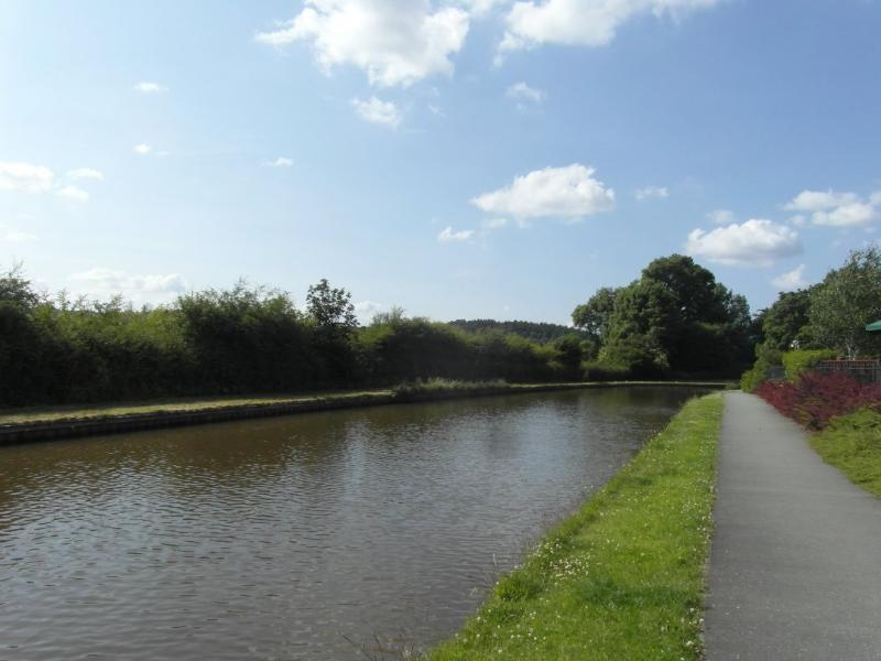 Beautiful canalside walks from just outside your front door - stone staffordshire - Stone - rentals