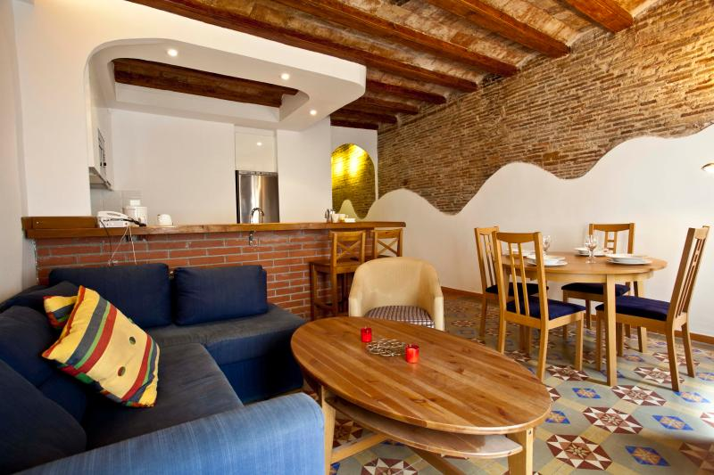 Main living space - Renovated apartment, Gothic Quarter & El Born - Barcelona - rentals