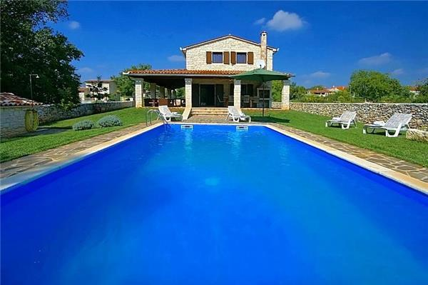 Holiday house for 10 persons, with swimming pool , in Tinjan - Image 1 - Kringa - rentals