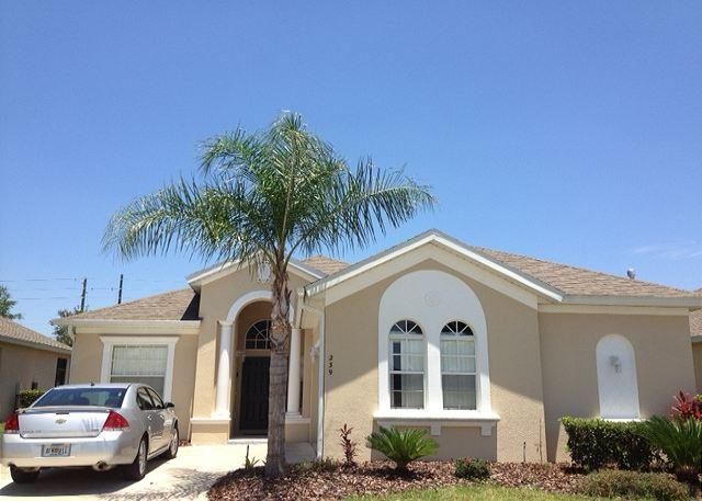 Sunny Days Villa (Sunny239s) Beautiful 4/3 pool home with extended pool deck! - Image 1 - Haines City - rentals