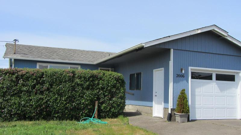 View of ocean view home - Family friendly beach home.  Clipper by the Sea - Waldport - rentals