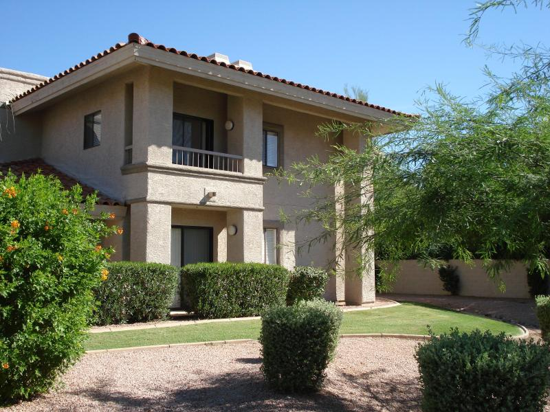 End unit two patios - Warm Beautiful Scottsdale Condo - Great Price !!! - Scottsdale - rentals