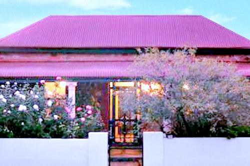 A MINER'S REST BROKEN HILL - A MINER'S REST-   COTTAGE OF THE YEAR -2013 - Broken Hill - rentals