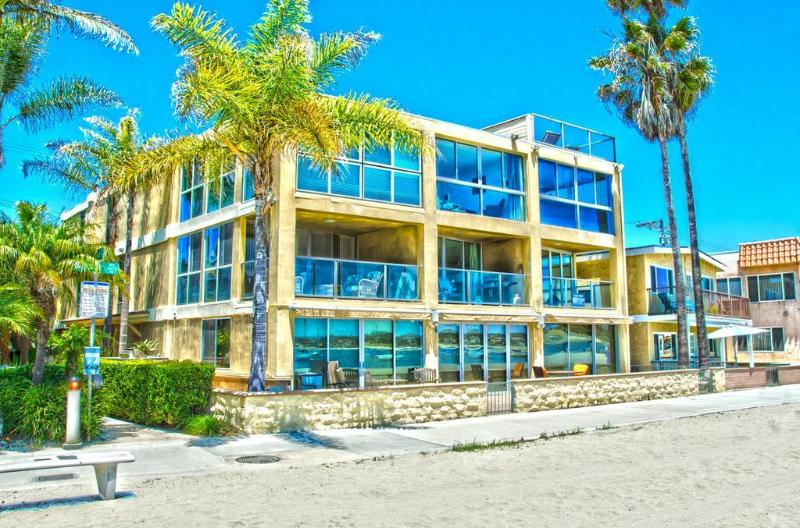 ***Amazing BEACH FRONT Retreat*** - Image 1 - Mission Beach - rentals