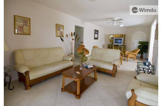 Ginger Lilly Apartment - Sungold House, Heywoods, St. Peter-2 bedroom apt - Gibbs - rentals